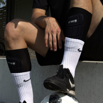Fußball - Schienbeinschoner und Handschuhe für Amateure und Profis